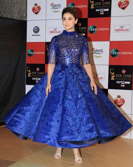 Katrina Kaif To Alia Bhatt The Hottest Looks From Zee Cine Awards Indiatoday