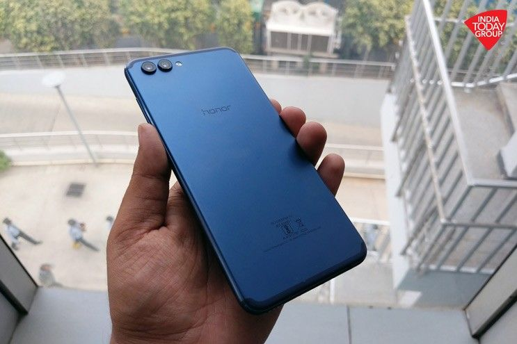 The Honor View 10 comes with a premium design, an 18:9 display, dual cameras and advanced artificial intelligence features.