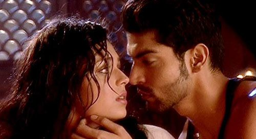 A still from Geet... Hui Sabse Parayee