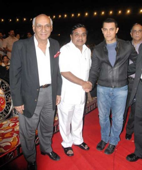 Aamir Khan with RR Patil and Yash Chopra.