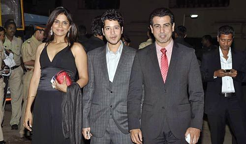 Ronit Roy with wife Neelam and Rajat Barmecha.