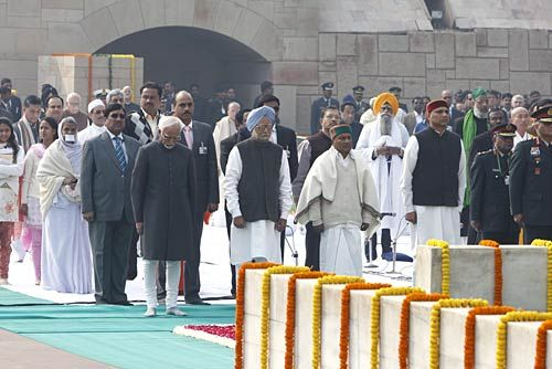 (L to R)Vice-President Hamid Ansaru, Prime Minister Manmohan Singh and Defence Minister A.K. Antony