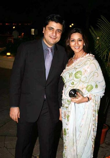 Sonali Bendre and director Goldie Behl