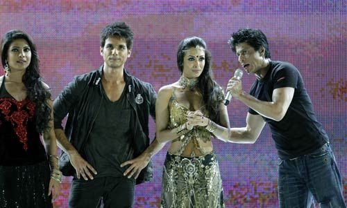 Shah Rukh Khan with Priyanka Chopra, Shahid Kapoor and Mallika Arora Khan