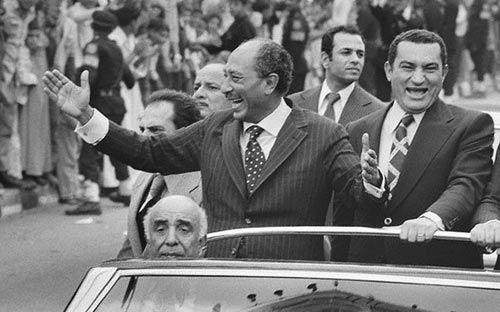 Former Egypt President Hosni Mubarak along with then Egypt president Sadat.