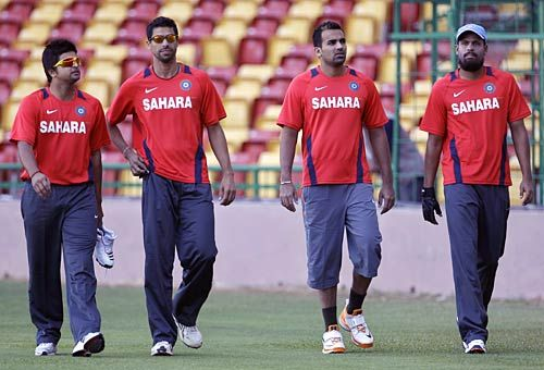 India players Suresh Raina, Ashish Nehra, Zaheer Khan and Yusuf Pathan