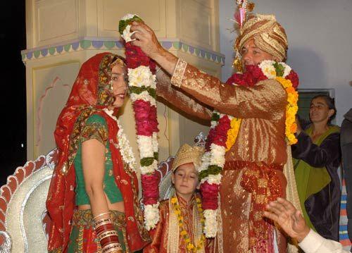 Pushkar city: Spanish couple marry in Indian style