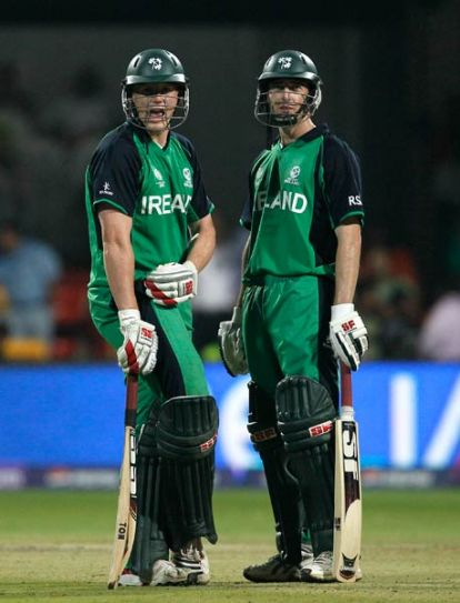 Ireland's Kevin O'Brien (left) and Alex Cusack during their 162-run 6th wicket stand