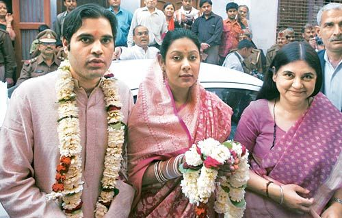 Varun Gandhi, Yamini Roy and Maneka Gandhi