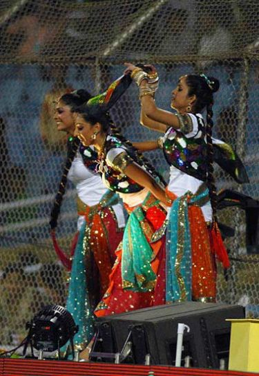 Pune cheerleaders