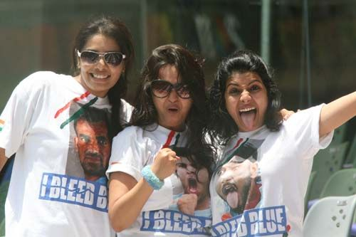 Fans cheer for India
