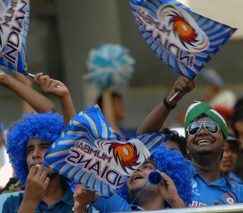 Mumbai fans