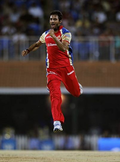 Bangalore pacer Sreesanth Aravind celebrates after claiming the wicket of Mumbai opener Aiden Blizzard