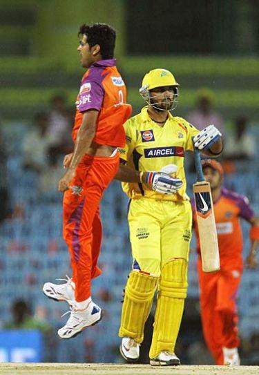 R P Singh with Murali Vijay