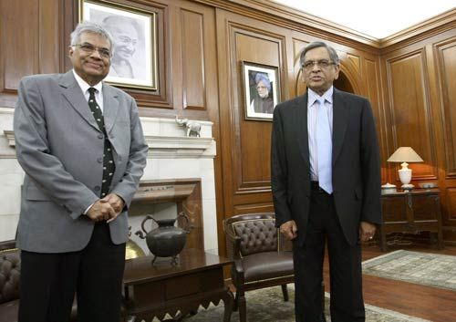 Ranil Wickramasinghe with S.M. Krishna during a meet