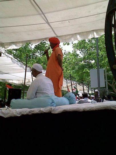 Swami Agnivesh with Anna Hazare