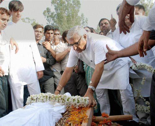 Bhajan Lal cremated