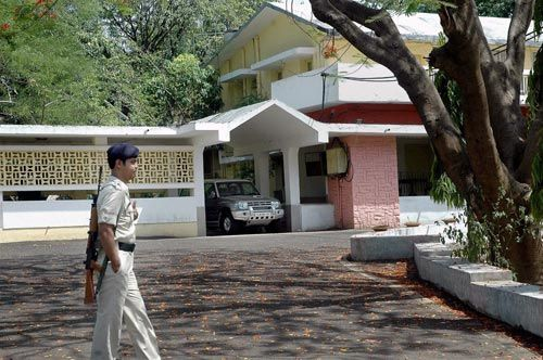 A policeman outside the house of Dijvijay Singh