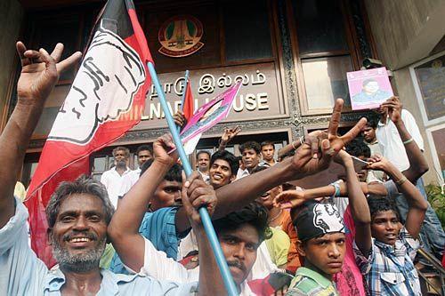 J Jayalalithaa supporters
