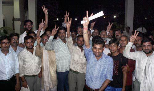 Maruti workers on strike at Manesar plant
