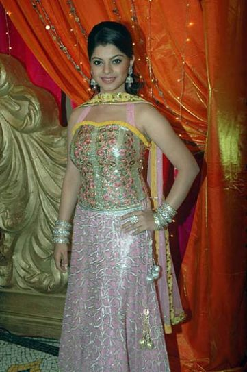 Sneha Wagh at the mehndi ceremony of Ratan Rajput
