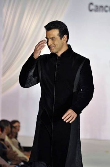 Ronit Roy at Pidilite-CPAA charity fashion show