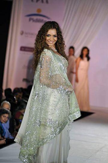 Shweta Kawatra at Pidilite-CPAA charity fashion show