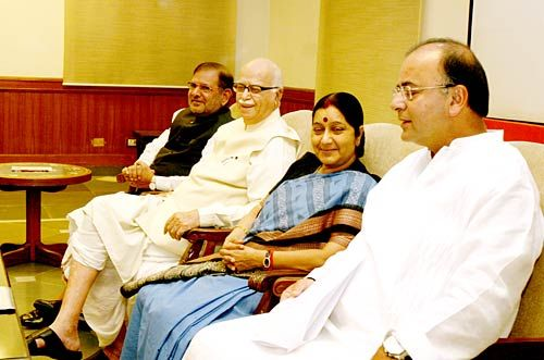 JD(U) chief Sharad Yadav and BJP leaders LK Advani, Sushma Swaraj, Arun Jaitely during an NDA meet.