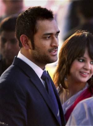Captain Mahendra Singh Dhoni with his wife Sakshi