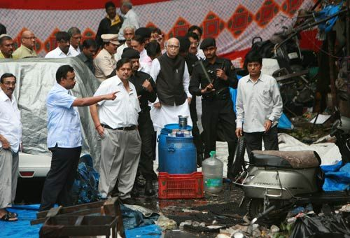 Advani at the blast site