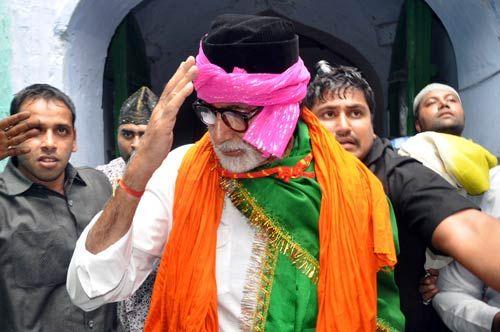 Amitabh Bachhan at Ajmer Sharif