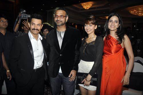 Aamir Khan, Abhinay Deo, Anousha Dandekar and Sona Mohaptra