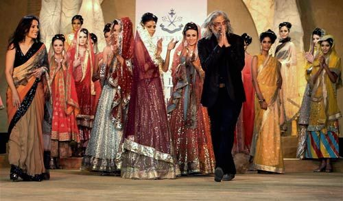 Models walks the ramp at Synergy 1 Delhi Couture Week 2011