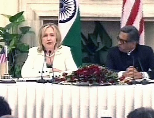 US Secretary of State Hillary Clinton with External Affairs Minsiter S.M. Krishna