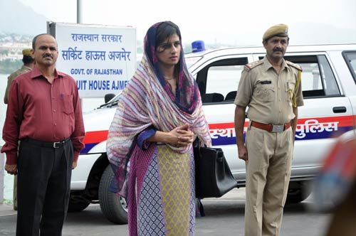 Hina Rabbani Khar and her delegation members land at Ghughra helipad near Ajmer