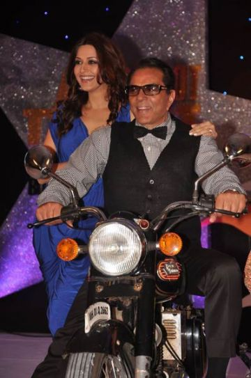 Dharmendra and Sonali Bendre