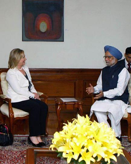 Manmohan Singh and Hillary Rodham Clinton