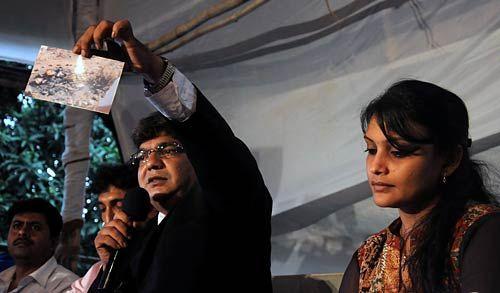 Maria Susairaj and her lawyer Shaikh M Sharif