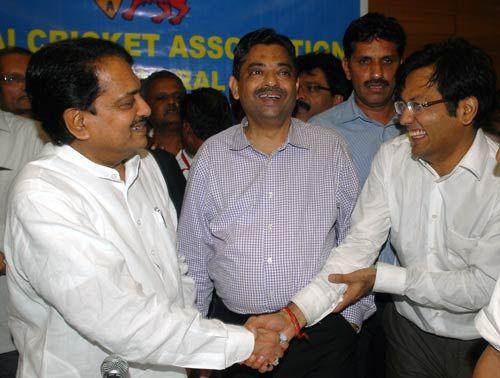 Vilasrao Deshmukh, Ratnakar Shetty, Vijay Patil