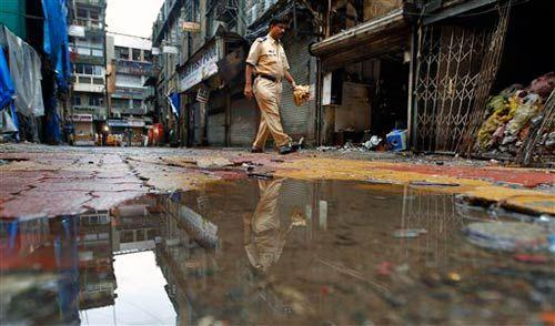 Policeman at Zaveri Bazaar