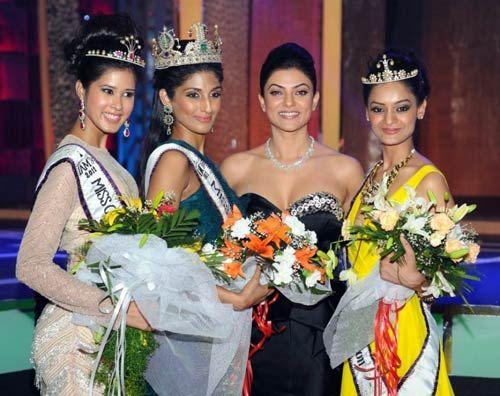 Parul Duggal, Vasuki Sunkavalli, Sushmita Sen and Tanvi Singla