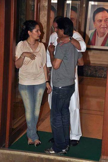Sanjay Dutt, Shah Rukh Khan and Maanyata.