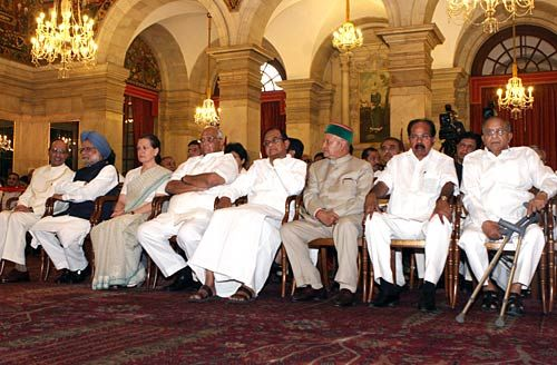 Manmohan Singh and Sonia Gandhi with Union Ministers