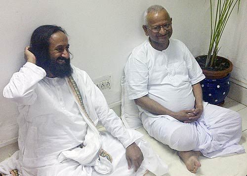 Anna Hazare and Sri Sri Ravishankar in Tihar Jail
