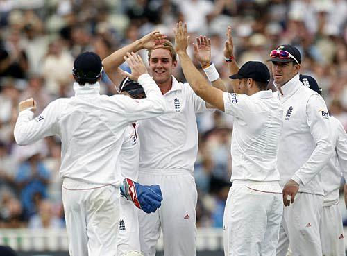 Stuart Broad and team-mates