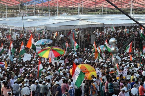 Anna supporters at Ramlila Maidan.