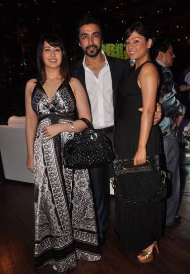 Ashish Chaudhary with wife Shamita