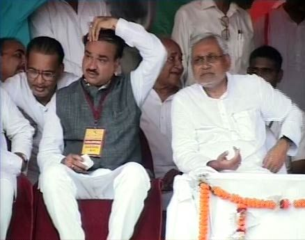Nitish Kumar with other senior BJP members
