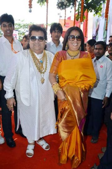 Bappi Lahiri with wife