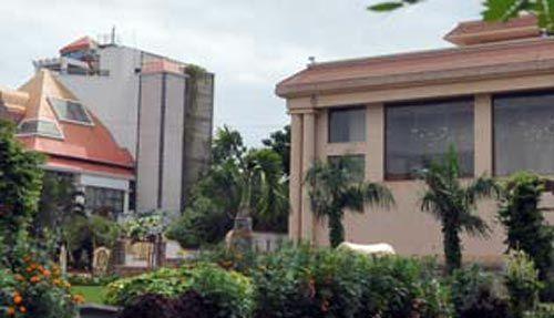 Three-storey house and office of Janardhan Reddy